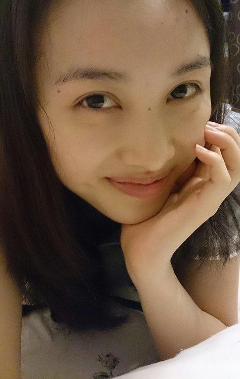 百田夏菜子の大人びた画像